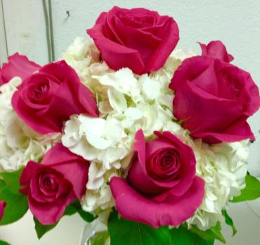 SIMPLE WHITE HYDRANGEAS/HOT PINK FLOYD ROSE BOUQUET